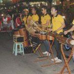 Menikmati Alunan Musik Musisi Jalanan Malioboro